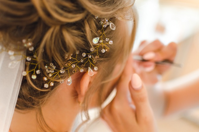 The Reasons Why You Should Hire a Professional Bridal Make-up Artist
