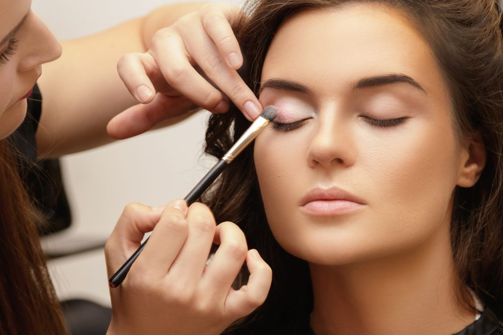 3 Easy Steps Towards Perfecting Your Makeup Routine