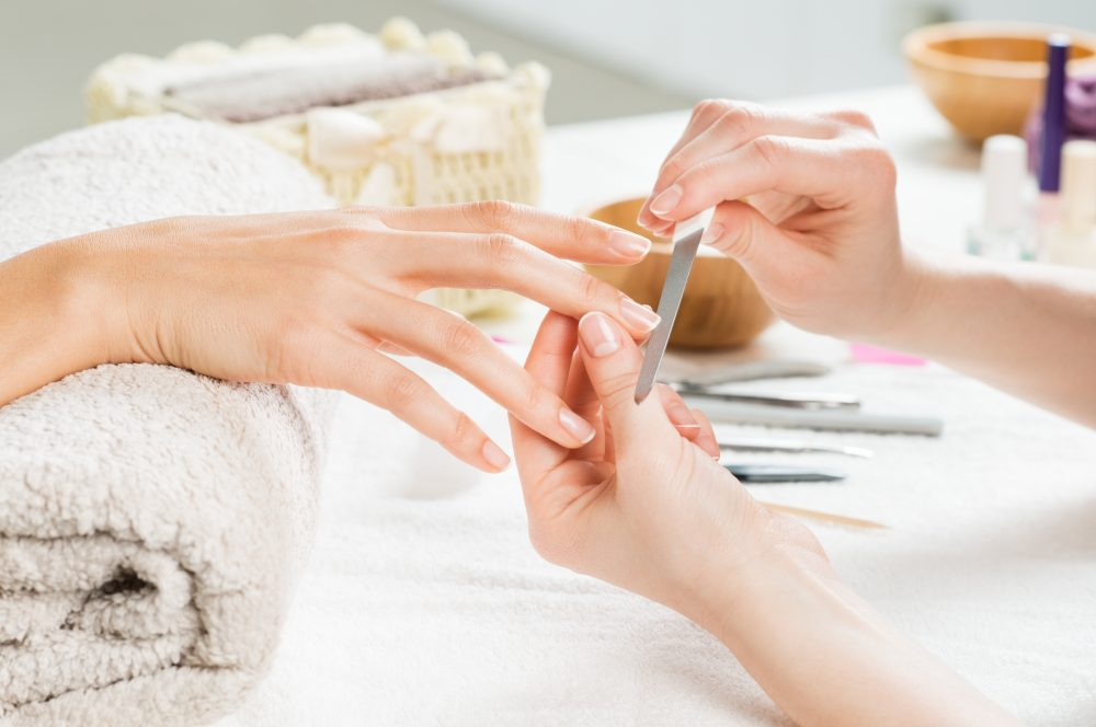 3 Excellent Reasons To Get A Manicure From A Spa
